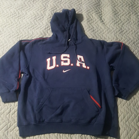 6c53cc146f19 Nike Team USA Basketball hoodie navy Large. M 5a865320a825a694641781a9